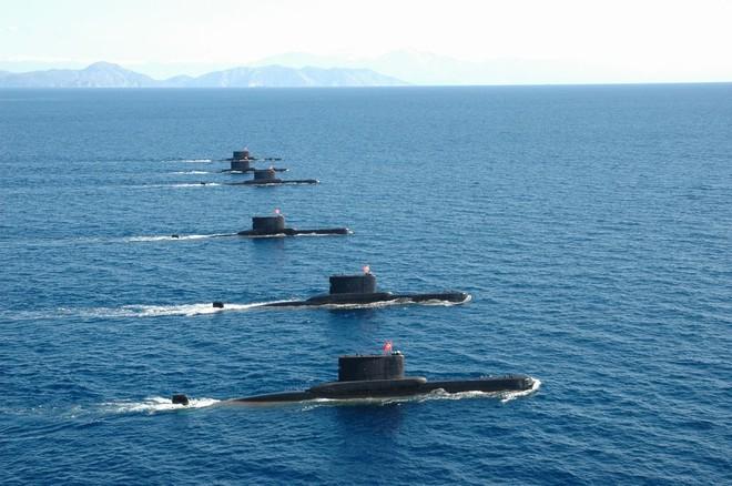 Báo Hy Lạp: Tàu ngầm Thổ bị Hy Lạp tóm sống trong 1 phút, run rẩy trải qua đêm ác mộng - Ảnh 1.