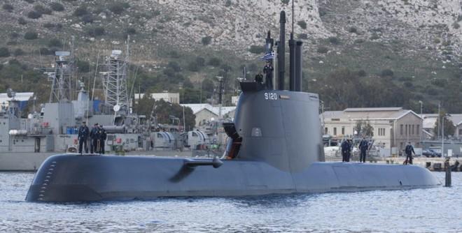 Báo Hy Lạp: Tàu ngầm Thổ bị Hy Lạp tóm sống trong 1 phút, run rẩy trải qua đêm ác mộng - Ảnh 2.
