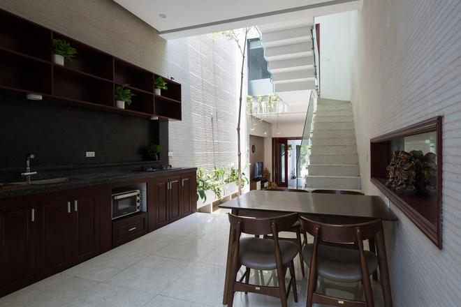 Ngôi nhà nhỏ, hẹp, nằm ở khu dân cư đông đúc, chật chội và ồn ào tại Bắc Ninh lên báo Mỹ - Ảnh 16.