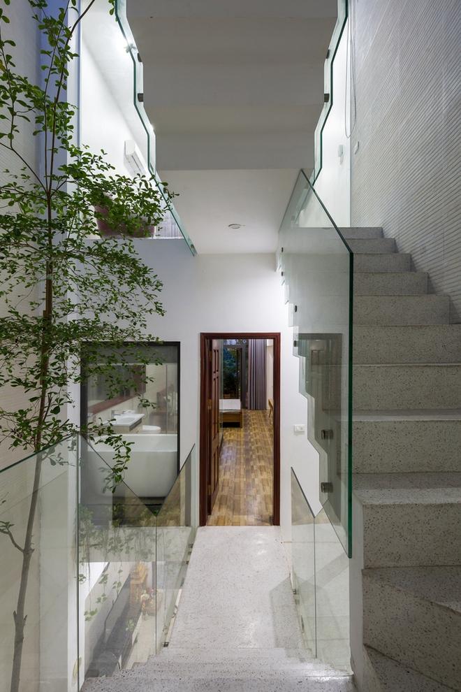 Ngôi nhà nhỏ, hẹp, nằm ở khu dân cư đông đúc, chật chội và ồn ào tại Bắc Ninh lên báo Mỹ - Ảnh 3.