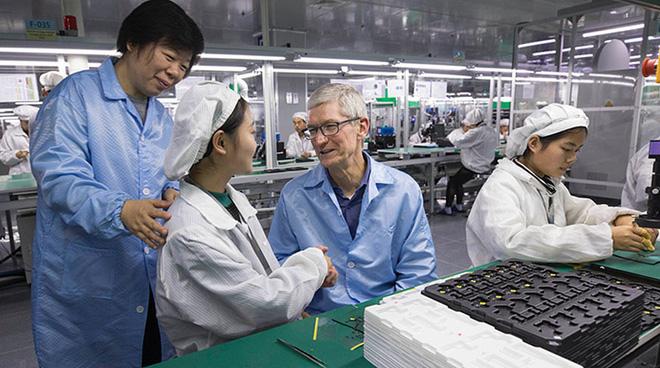 Apple ngừng kế hoạch sản xuất iPhone tại Việt Nam vì điều kiện sống của công nhân: Chưa muộn để xoay chuyển tình thế - Ảnh 1.