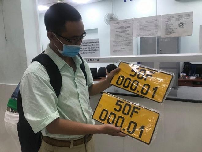 Đã có gần 2.000 ôtô gắn biển số vàng ở TP HCM - Ảnh 2.