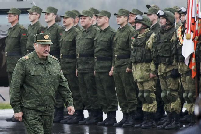 Nga đã xử lý tình huống Belarus cực kỳ tài tình: Những pha bẻ lái siêu hạng! - Ảnh 4.