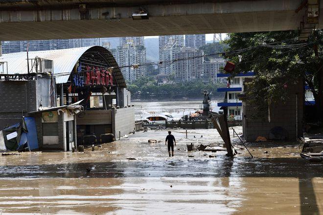 Trữ lượng hồ chứa đập Tam Hiệp gấp 2.000 lần trữ lượng nước Tây Hồ, người Trùng Khánh vất vả thu dọn tàn tích - Ảnh 5.