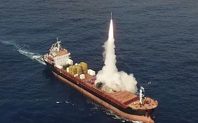Vũ khí bí mật ẩn mình trên tàu buôn Mỹ có thể tung đòn bất ngờ, khiến TQ trở tay không kịp