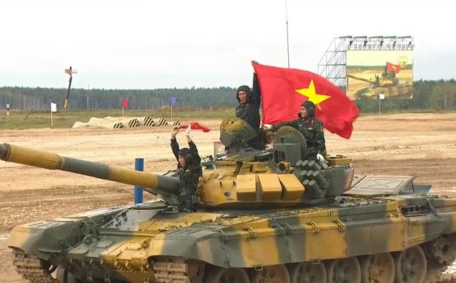 Rất bất ngờ, Đội Việt Nam bị tụt hạng, xếp thứ 2 dù về đích đầu tiên ở Tank Biathlon 2020