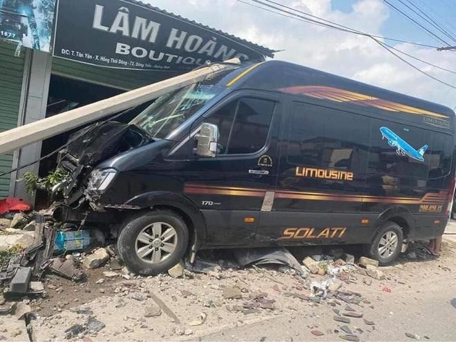 Xe 16 chỗ lao vào nhà dân gây tai nạn nghiêm trọng: Người sang đường tùy tiện gặp tài xế vượt ẩu - Ảnh 3.