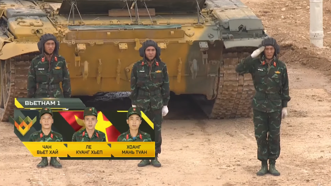 Việt Nam gây ấn tượng mạnh tại Tank Biathlon 2020; BTR-80 cháy động cơ ngay giữa đường đua - Ảnh 1.