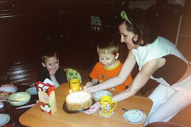 Nhà đông con, 2 vợ chồng vẫn nhận nuôi thêm 3 đứa trẻ, đến khi 1 trong số đó chết đi mới hé lộ bộ mặt thật của cặp đôi - Ảnh 4.