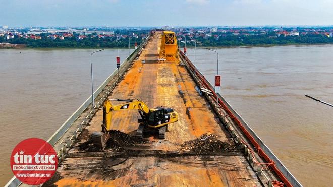 Toàn cảnh công trường sửa chữa cầu Thăng Long - Ảnh 5.