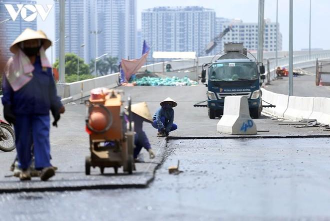 Toàn cảnh đại công trường sửa chữa cầu Thăng Long, Hà Nội - Ảnh 13.