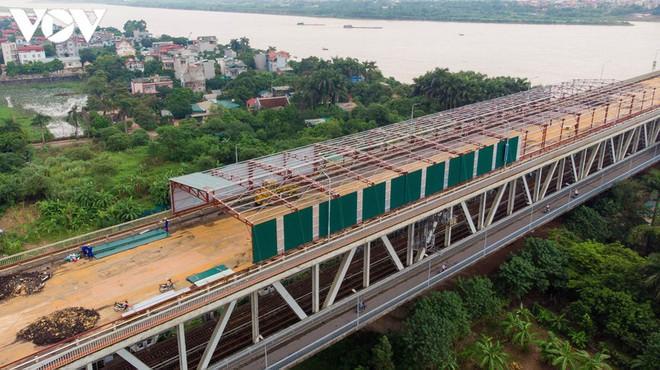 Toàn cảnh đại công trường sửa chữa cầu Thăng Long, Hà Nội - Ảnh 3.