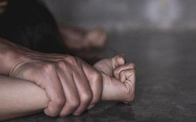 Hà Nội: Cảnh sát truy tìm 'yêu râu xanh' ép bé gái 12 tuổi vào vườn chuối hiếp dâm