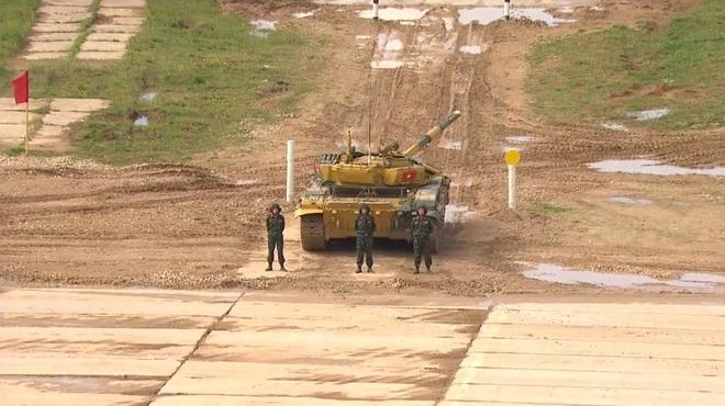 Kíp 2 xe tăng Việt Nam thi đấu Tank Biathlon 2020: Vươn tới đỉnh cao - Ảnh 2.