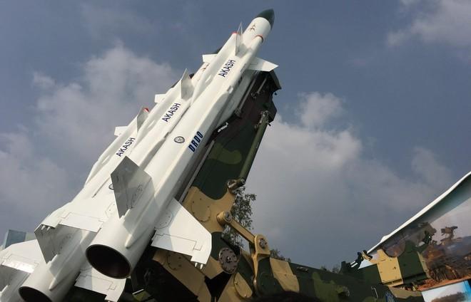 Tướng 3 sao Ấn Độ sẽ trực tiếp chỉ huy đơn vị tên lửa S-400 đối phó với Trung Quốc - Ảnh 1.