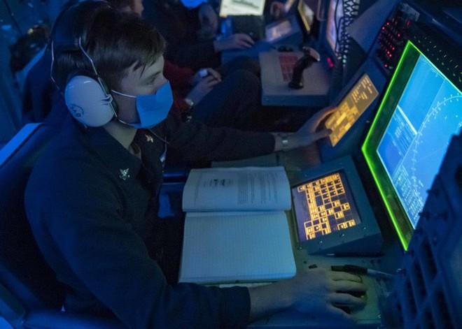 Trung Quốc vừa phóng tên lửa, tàu khu trục Mỹ tiến gần Hoàng Sa - Ảnh 2.