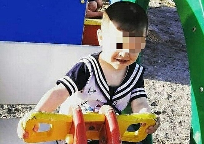 Bé trai bị cha dượng sát hại dã man chỉ bởi một chú vịt, nghi phạm khác là anh trai 6 tuổi của nạn nhân gây chú ý hơn - Ảnh 1.