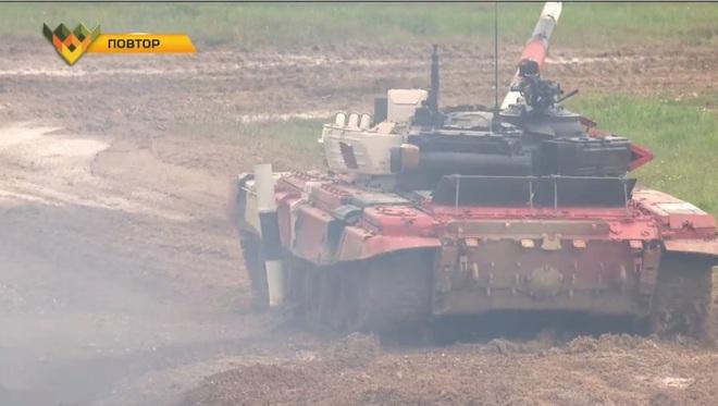 Kíp 3 Đội xe tăng Việt Nam thi đấu Tank Biathlon 2020: Thần tốc, dũng mãnh - Lật đổ ngoạn mục - Ảnh 1.