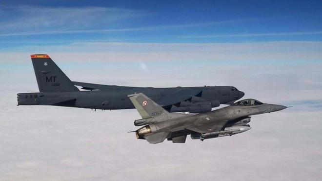 Màn khoe sức mạnh dễ nể của 86 máy bay quân sự NATO - Ảnh 5.