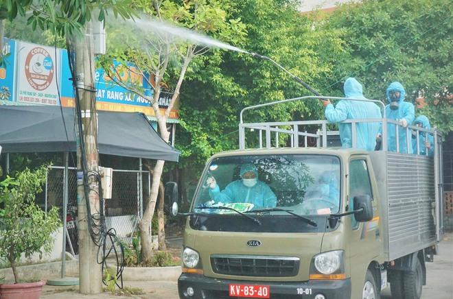 Thêm 21 ca mắc COVID-19 ở Đà Nẵng, Quảng Nam; Thứ trưởng Y tế xin phép Thủ tướng ở lại Đà Nẵng cho đến khi dịch chấm dứt - Ảnh 1.