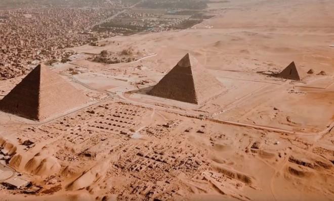 Elon Musk tuyên bố kim tự tháp được xây dựng bởi người ngoài hành tinh - Ảnh 3.
