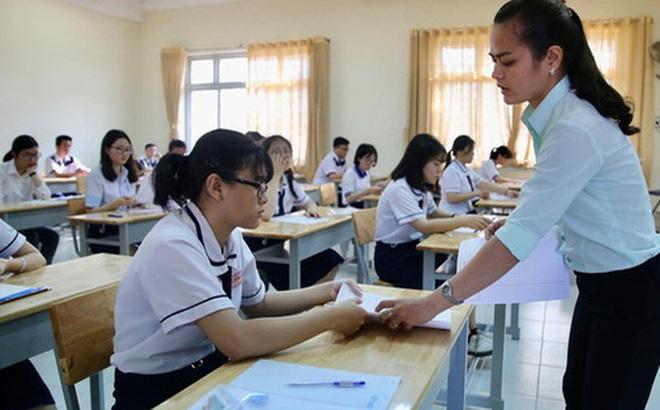 Bộ trưởng Bộ GD-ĐT đề xuất thi tốt nghiệp THPT sắp tới thành 2 đợt