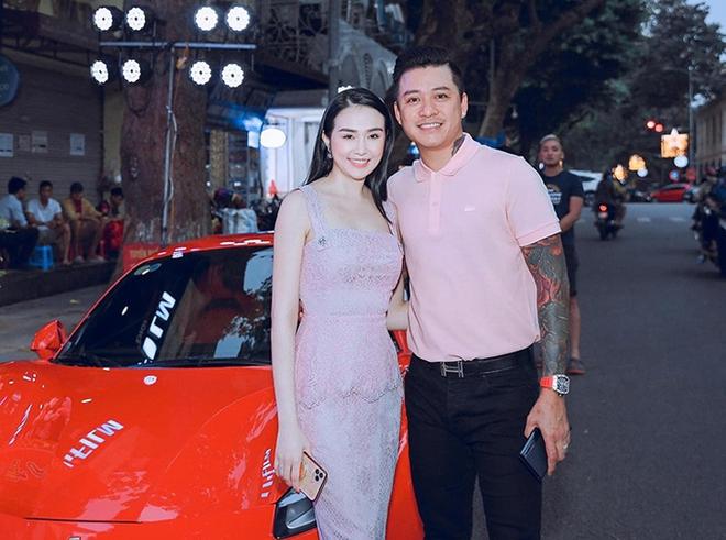 Tuấn Hưng tặng xe hơi 4 tỷ cho Hương Baby - Ảnh 1.