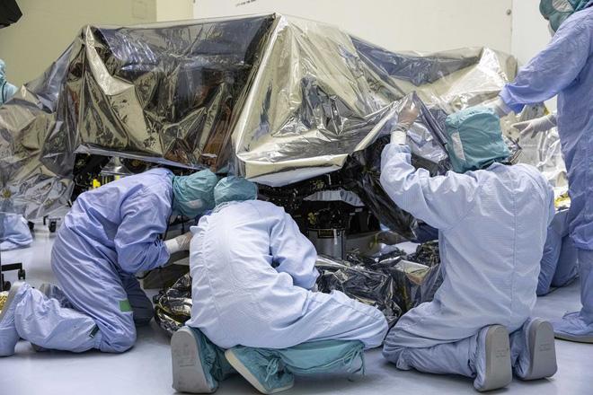 NASA tiến hành làm sạch cho tàu thăm dò Perseverance trị giá 2,4 tỷ USD như thế nào? - Ảnh 7.