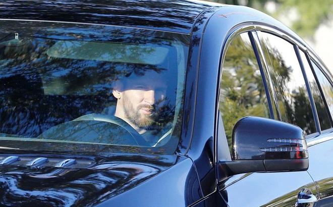 Phũ phàng từ chối hội quân, Messi cương quyết