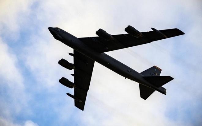 """Su-27 bay cắt mặt B-52: Siêu """"pháo đài bay"""" rung lắc mạnh, Mỹ đanh thép cảnh báo Nga"""