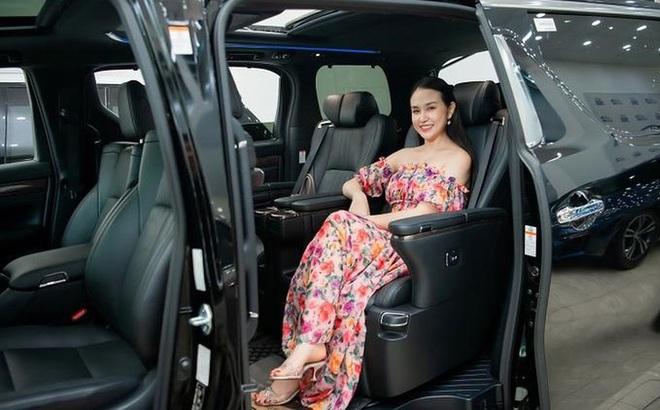 Tuấn Hưng tặng xe hơi 4 tỷ cho Hương Baby