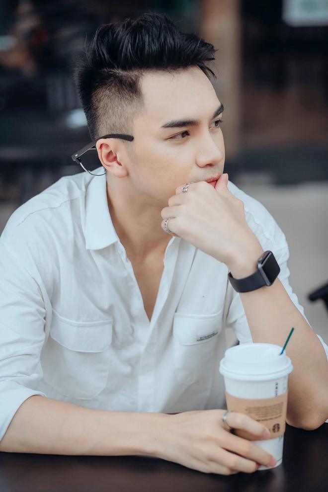 Chân dung chàng ca sĩ hát hit của Hồ Ngọc Hà được Trấn Thành liên tục khen đẹp trai quá - Ảnh 7.
