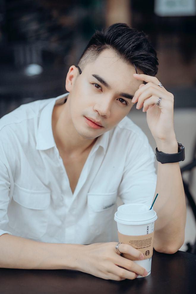 Chân dung chàng ca sĩ hát hit của Hồ Ngọc Hà được Trấn Thành liên tục khen đẹp trai quá - Ảnh 9.