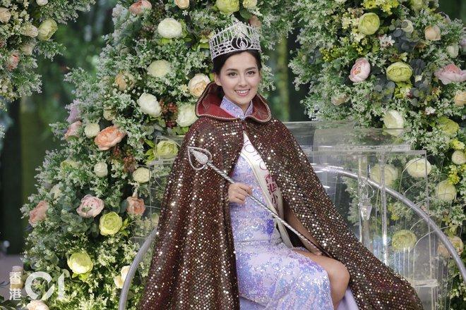 Nhan sắc nóng bỏng, lai Tây của Hoa hậu Hong Kong 2020 - Ảnh 2.