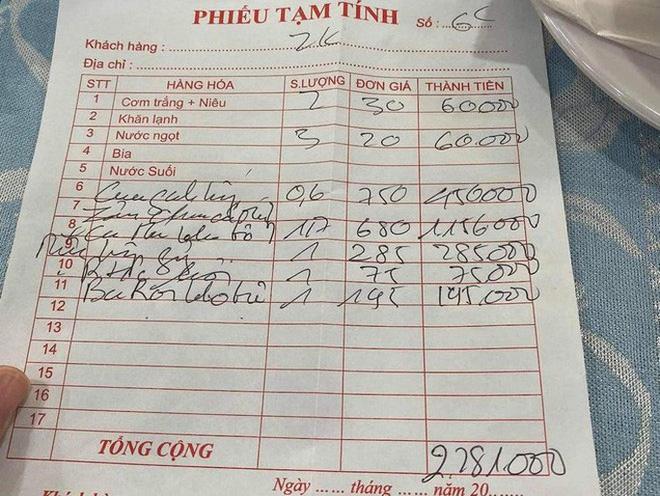 Đội trưởng CLB TP HCM tố chặt chém, quán Thuyền Chài bị ngừng kinh doanh - Ảnh 2.