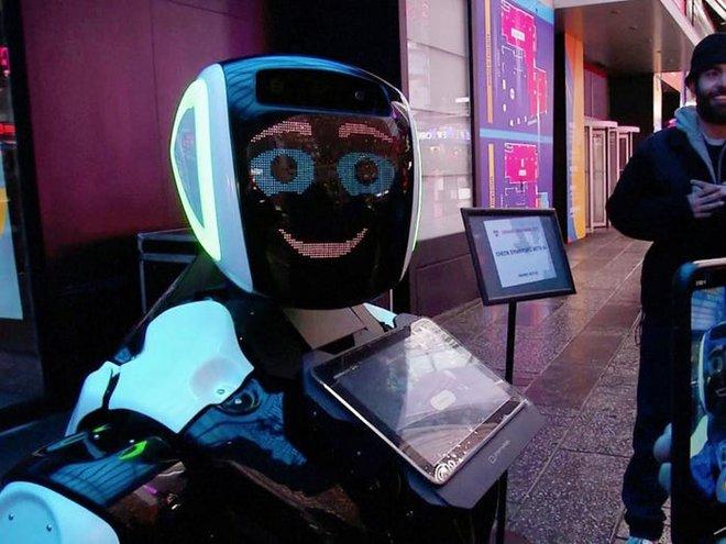 Một con robot hình người kỳ lạ đang làm việc tại văn phòng chính phủ Nga - Ảnh 9.