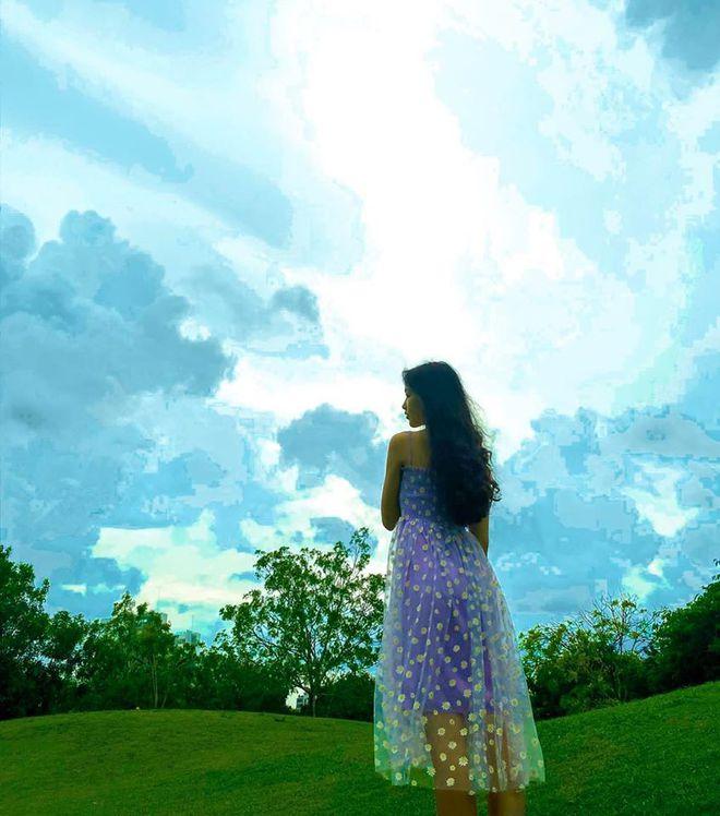 Vợ Quyền Linh đăng ảnh 2 con gái, dung nhan khiến dân mạng khen hết lời - Ảnh 9.