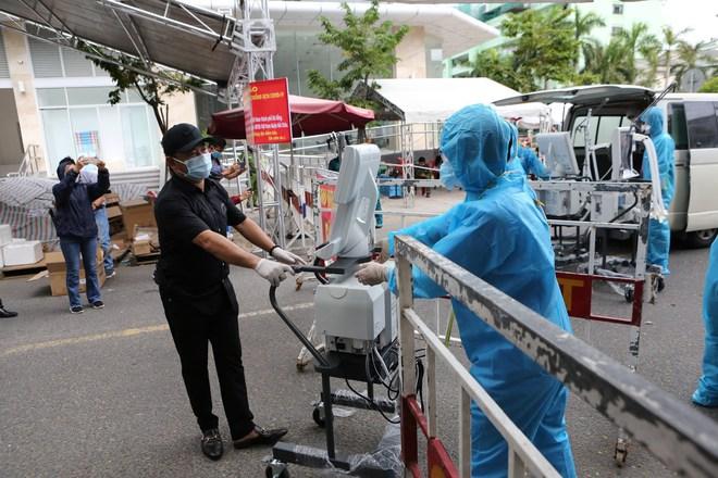 Bệnh viện Đà Nẵng tiếp nhận 5 máy thở trị giá 2,75 tỉ đồng để chống dịch Covid-19 - Ảnh 1.