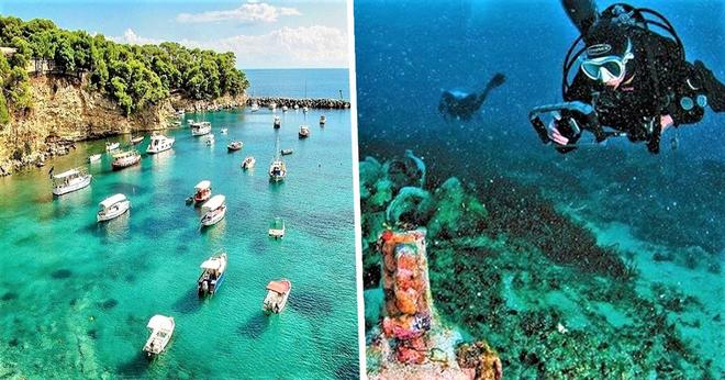 Cận cảnh bảo tàng dưới nước du khách tự do bơi lội ngắm xác tàu cổ đại - Ảnh 1.