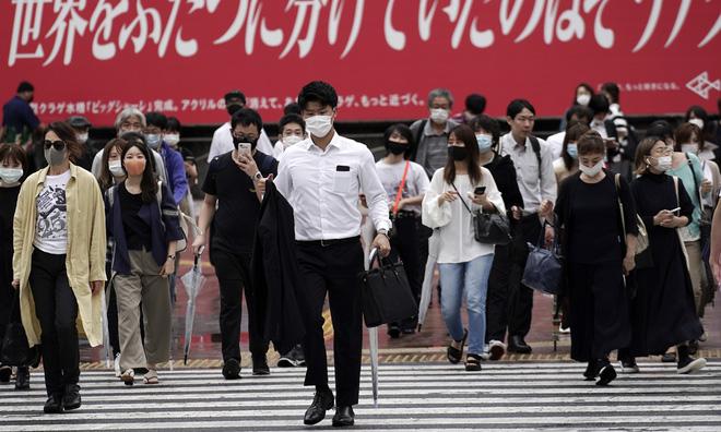 Từng là điển hình chống Covid-19 khiến thế giới thán phục, tại sao Nhật Bản bị Bloomberg cảnh báo là cơ hội cuối cùng? - Ảnh 2.