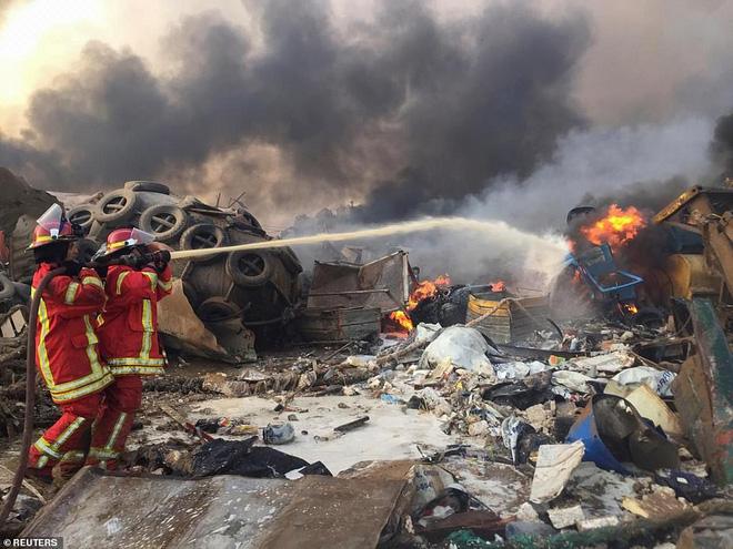 Nhiều người bị thổi bay: So sánh vụ nổ ở Beirut với thảm họa Chernobyl, nhân chứng phẫn nộ đòi công lý - Ảnh 7.