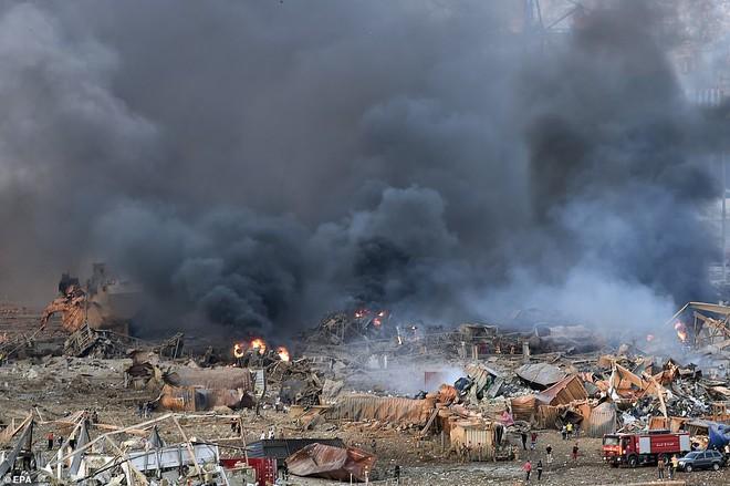 Nhiều người bị thổi bay: So sánh vụ nổ ở Beirut với thảm họa Chernobyl, nhân chứng phẫn nộ đòi công lý - Ảnh 11.