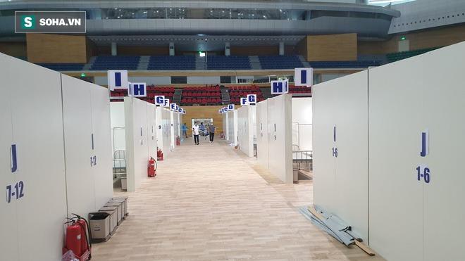 Cận cảnh bệnh viện dã chiến xây thần tốc trong 4 ngày tại Đà Nẵng trước giờ bàn giao - Ảnh 5.