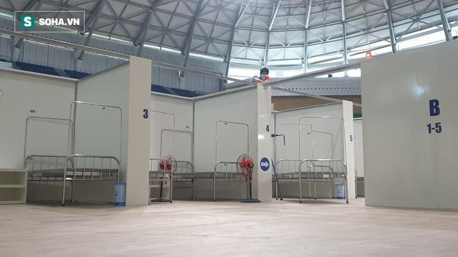 Cận cảnh bệnh viện dã chiến xây thần tốc trong 4 ngày tại Đà Nẵng trước giờ bàn giao - Ảnh 6.