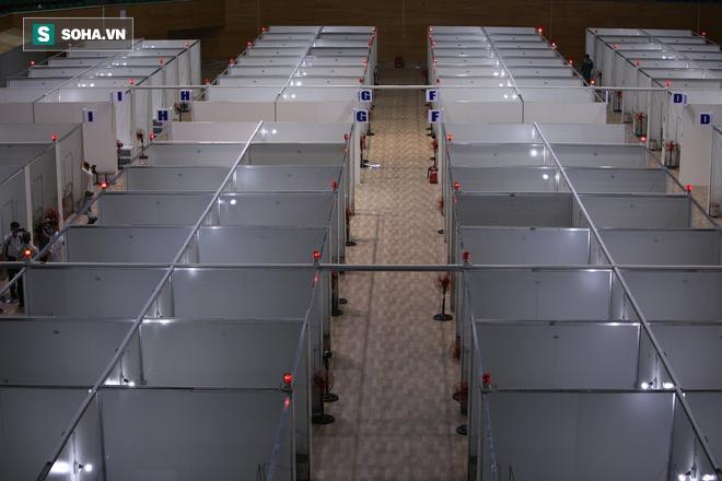 Cận cảnh bệnh viện dã chiến xây thần tốc trong 4 ngày tại Đà Nẵng trước giờ bàn giao - Ảnh 4.