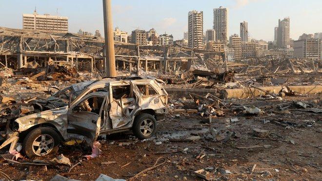 Hình ảnh nổ kinh hoàng như ngày tận thế: Sóng xung kích xé toạc cả Beirut trong vài giây - Ảnh 6.