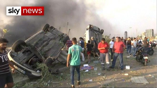 Hình ảnh nổ kinh hoàng như ngày tận thế: Sóng xung kích xé toạc cả Beirut trong vài giây - Ảnh 9.