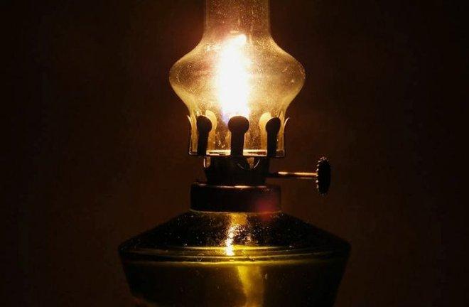 Thắp 4 ngọn đèn dầu trong phòng tối, thầy giáo chỉ ra 1 đạo lý giúp học trò cũ trở thành nhân viên xuất sắc: Ai cũng nên biết! - Ảnh 3.