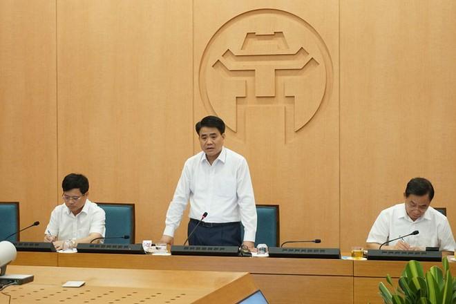 Chủ tịch Nguyễn Đức Chung: Hà Nội cần nâng thêm 1 mức cảnh báo nguy cơ lây nhiễm Covid-19 - Ảnh 1.