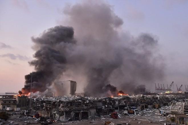 Nổ cực lớn ở Lebanon: Do hàn xì lỗ thủng của nhà kho? - Ảnh 6.